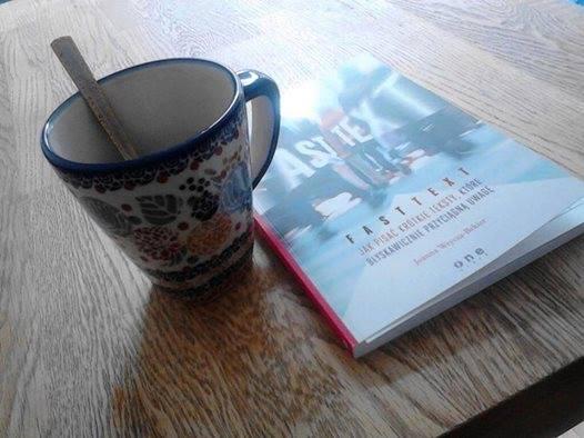 Ksiazka Fasttext i kawa